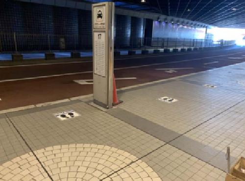 新千歳空港タクシー乗場に設置されたフットプリント